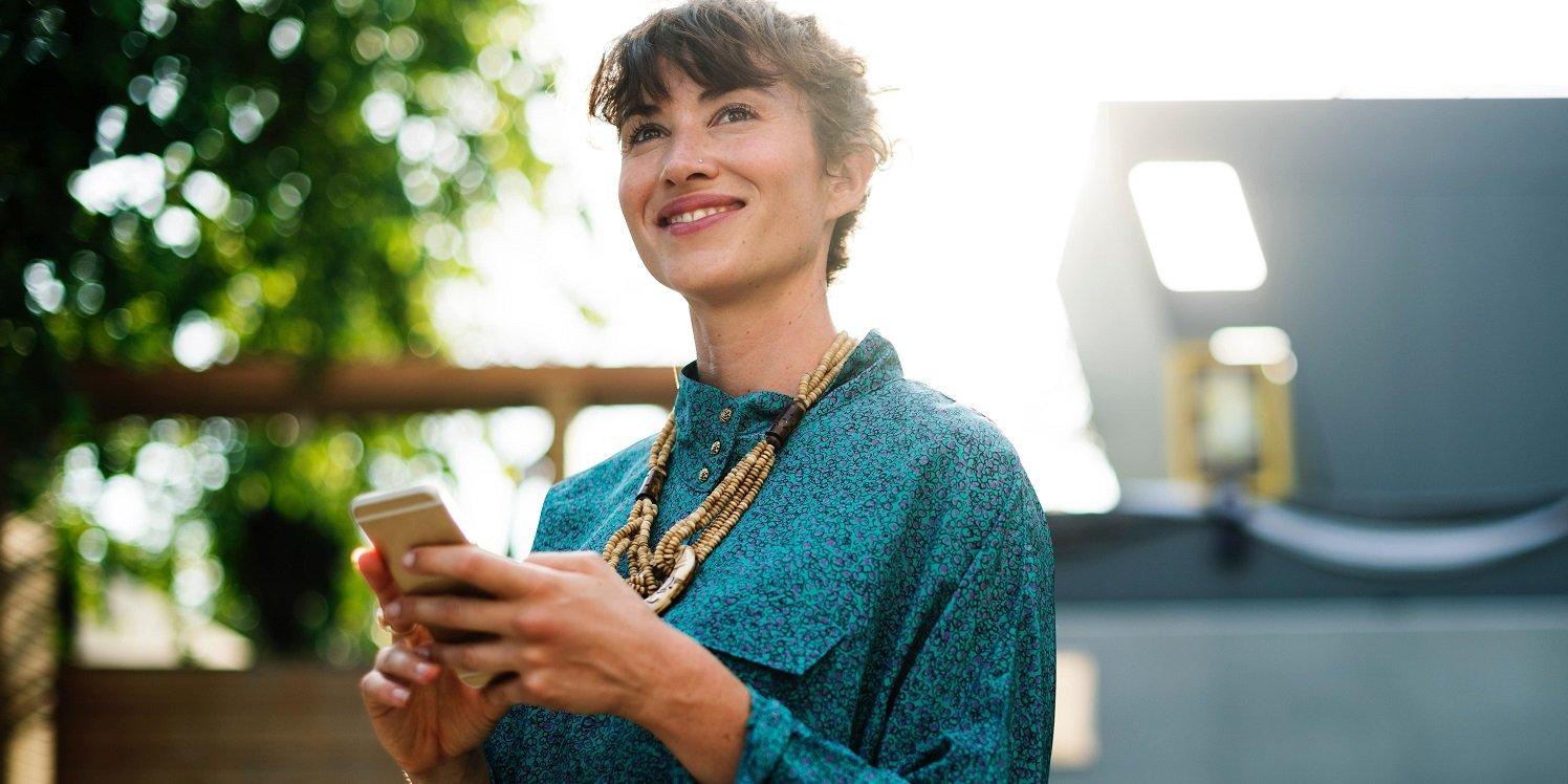 4 ways employee happiness helps customer retention